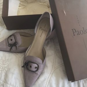 Beautiful lavender tint Paolo pumps with silver